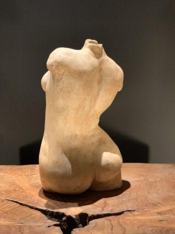 sculpture femme buste torse se tourner mouvement