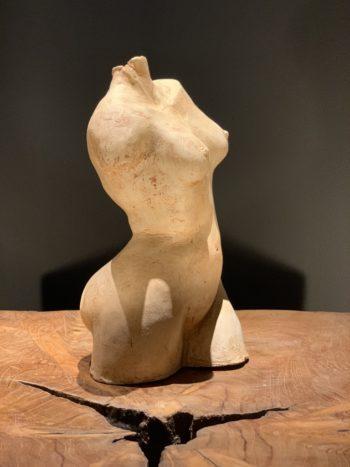 Buste de femme sculpture corps en mouvement