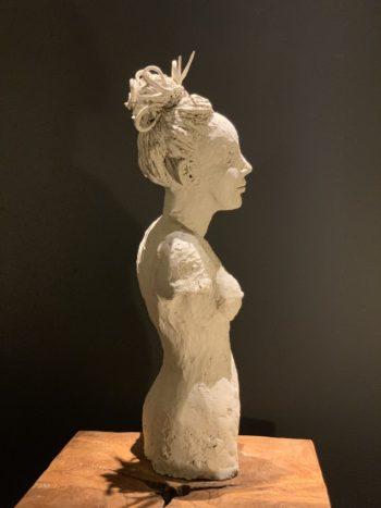 sculpture pièce unique lyon femme aux cheveux relevés