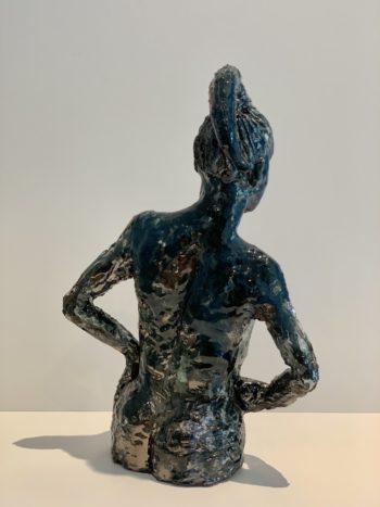 sculpture dos de femme céramique émail métallique