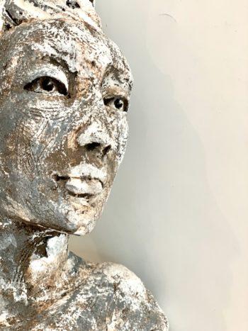 portrait sculpté visage femme terre cuite lyon
