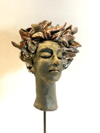 sculpture visage femme en raku clairemichelini.com